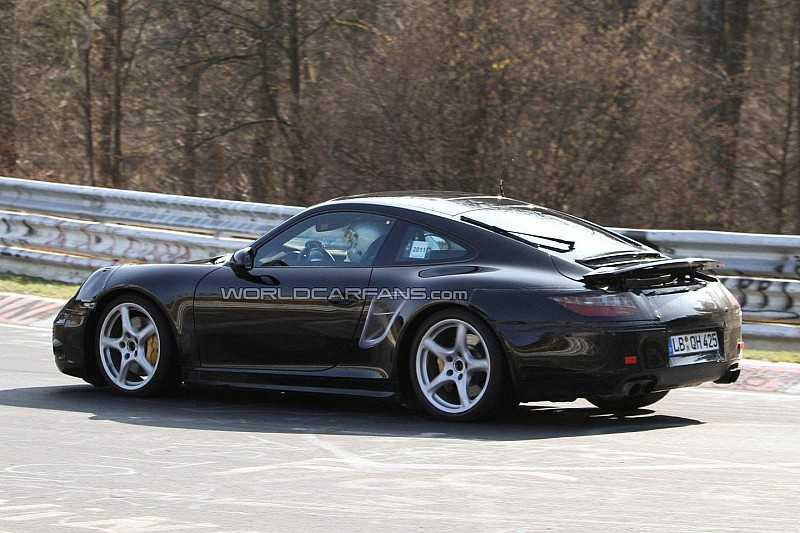 2012 Porsche 911 will feature a 7-speed manual gearbox - report