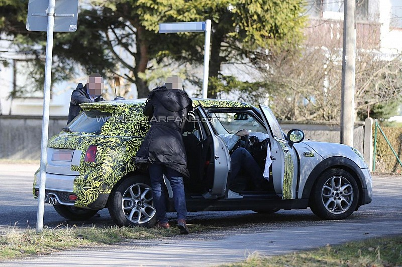 MINI Cooper five-door spied showing new details