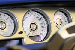 Rolls-Royce Bespoke white instrument dials with mother-of-pearl accents 06.07.2010